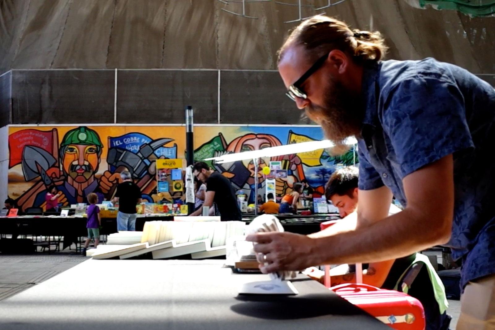 Historias de creadores. Retrato de creador de proyecto Barba de abejas. Eric Schierloh