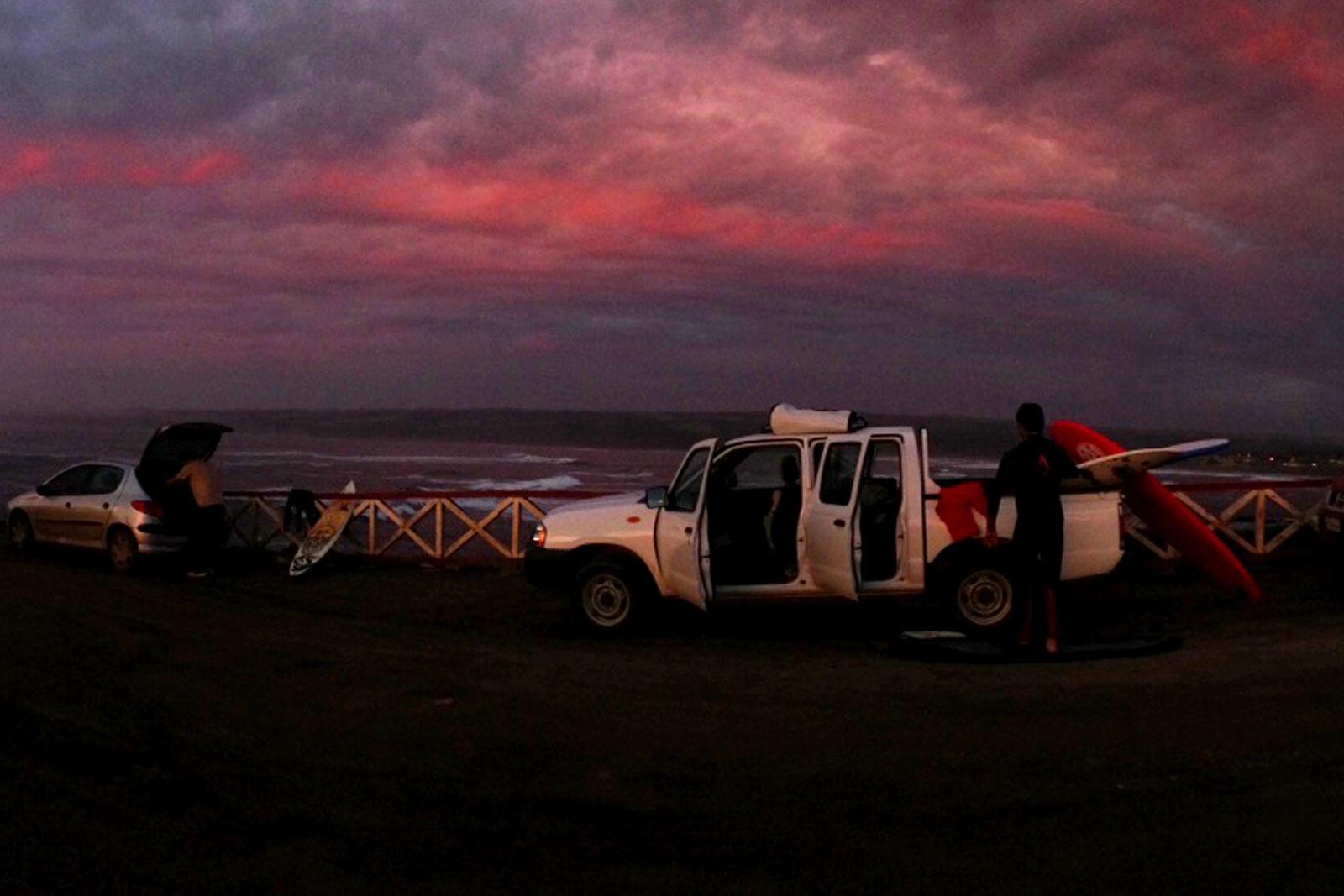 Atardecer en la Puntilla de Pichilemu. Escenario ideal para historias de surf.